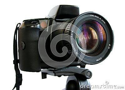Camera SLR op driepoot