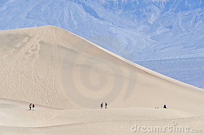Caminantes en Death Valley