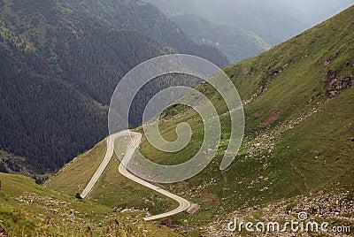 Camino enganchado en la alta altitud