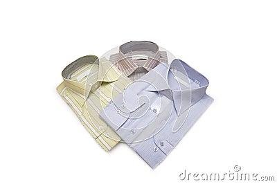 Camisas listradas isoladas