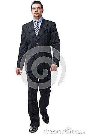 Camminare dell uomo d affari.