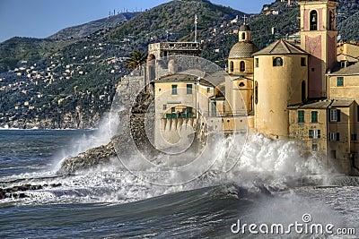 Camogli风大浪急的海面