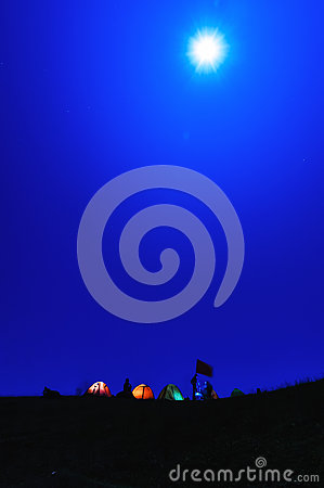 Free Camp Under The Moonlight Royalty Free Stock Photo - 35366335