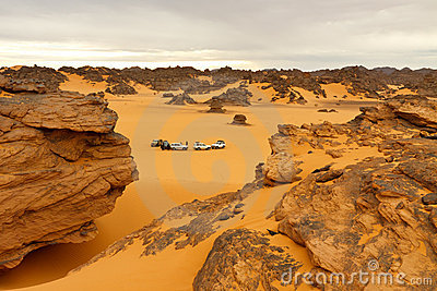 Campant dans le désert - montagnes d Akakus, le Sahara