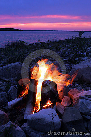 Free Campfire On The Lake Royalty Free Stock Photo - 1697435