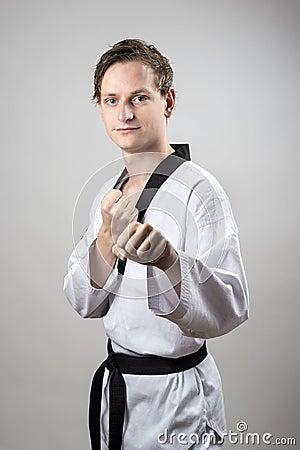 Campione della cintura nera del Taekwondo