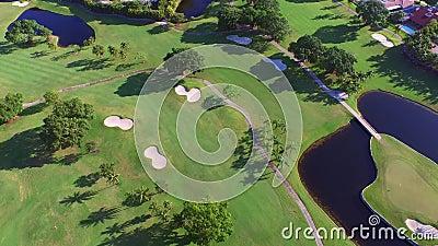Campo de golf video aéreo 4 almacen de metraje de vídeo