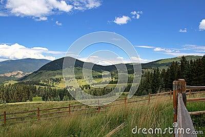 Campos y montañas de Colorado