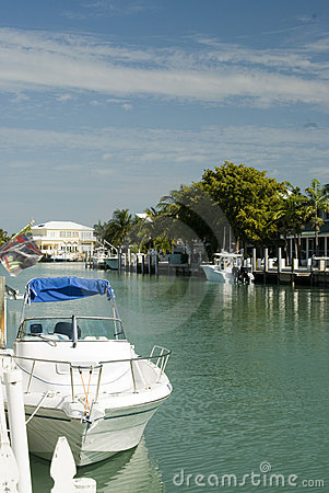 Canal  boats homes florida keys