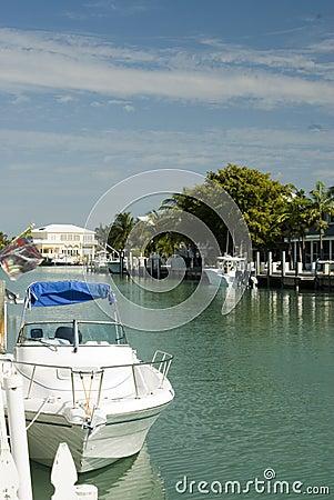 Canal  boats homes florida keys