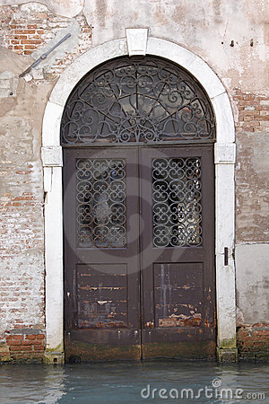 Free Canal Doorway, Venice Royalty Free Stock Photography - 11573217