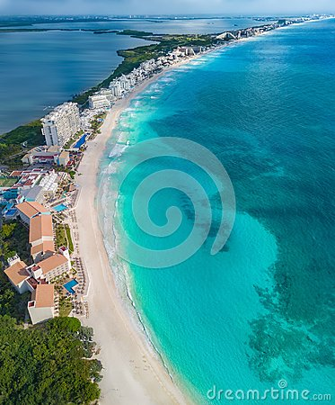 Free Cancun Beach During The Day Stock Images - 115980144