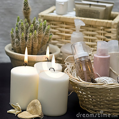 Free Candles And Cosmetics Royalty Free Stock Images - 4400309