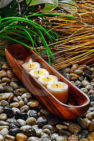 Free Candles Burning In Wood Vessel In A Holistic Spa Stock Photos - 20877883