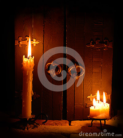 Free Candles With Closed Doors Royalty Free Stock Photos - 33229288