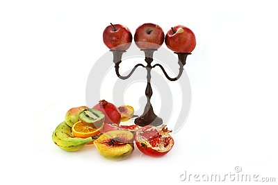 Candlestick with apples
