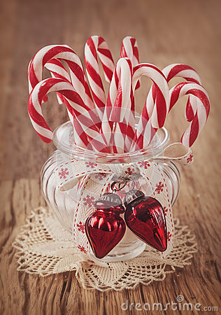 Free Candy Canes Royalty Free Stock Photography - 35691357