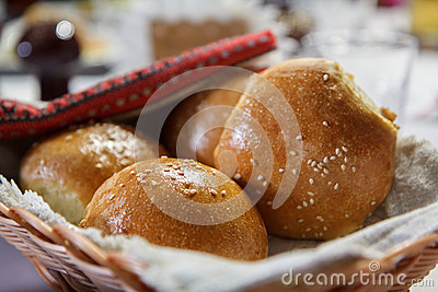 Canestro di vimini con i panini