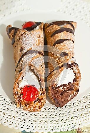 Cannoli di ricotta, Sicilian Pastry