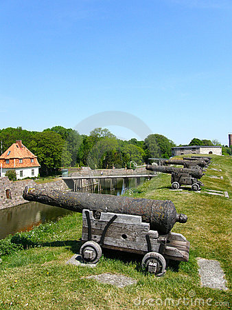 Free Cannon And Moat Stock Photography - 20611232