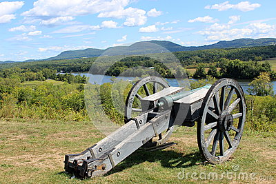 Cannon over the Hudson
