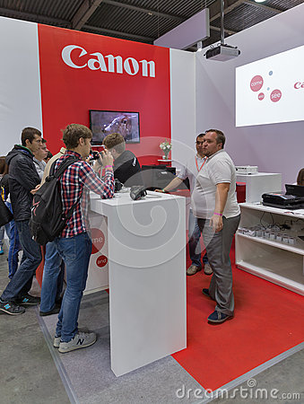 Canon company booth at cee 2015 the largest electronics for Largest craft shows in the us