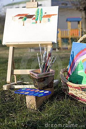 Free Canvas Easel And Paintbrushes Royalty Free Stock Photography - 11350887