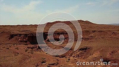 Canyon dans le désert de la Mongolie de Gobi Pousse régionale de Dron banque de vidéos