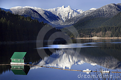 Capilano Lake Snowy Two Lions Mountains Vancouver