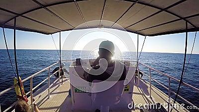 Capitán Driving Yacht, Sri Lanka - 10 de febrero de 2017 metrajes