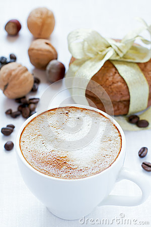 Cappuccino and almond cookies