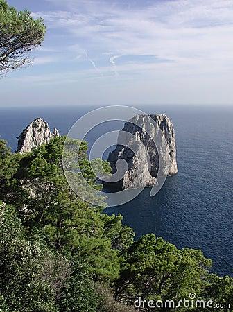 Capri faraglioni意大利岩石