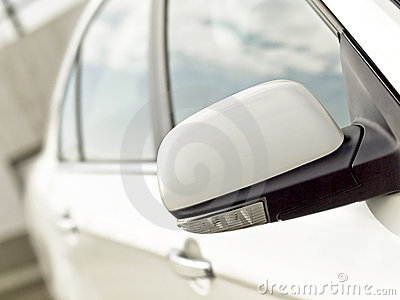 Car mirror with turn signal
