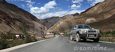 Car on the road to Tibet