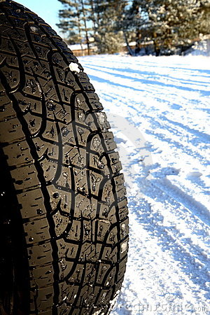 Free Car Tire Royalty Free Stock Images - 7619219