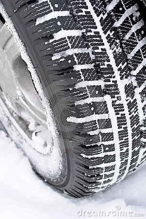Free Car Wheel In Snow Royalty Free Stock Photo - 17820305