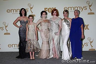 Cara Buono, Christina Hendricks, muschio di Elisabeth, Kiernan Shipka, parità della Jessica Immagine Editoriale