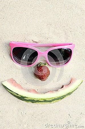 Cara feliz simbólica del verano