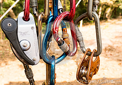 Carabiner and pully for mountaineering