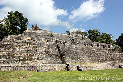 Caracol s tallest pyramid