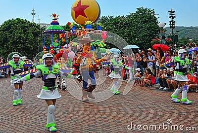 Caracteres pixar de Disney en desfile Foto de archivo editorial