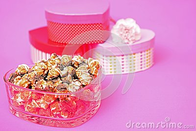 Caramel and chocolate popcorn