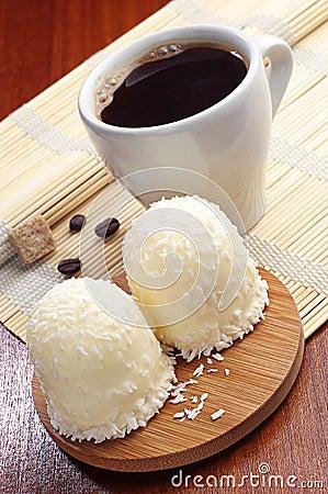 Caramelle gommosa e molle con le noci di cocco