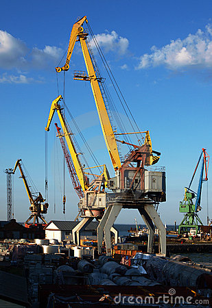 Free Cargo Cranes Closeup Stock Image - 14967921