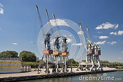 Cargo harbor
