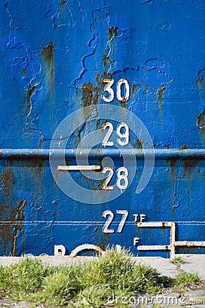 Free Cargo Ship Depth Gauge Royalty Free Stock Photo - 6722725