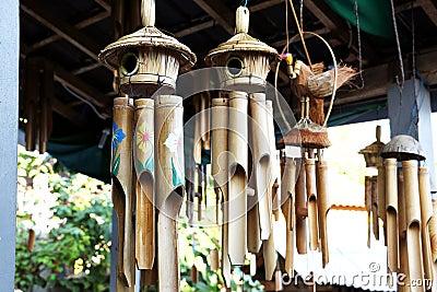 carillon de vent en bambou photo stock image 68353429. Black Bedroom Furniture Sets. Home Design Ideas