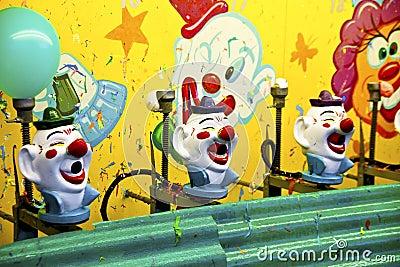 carnival-clown-game-16265422.jpg