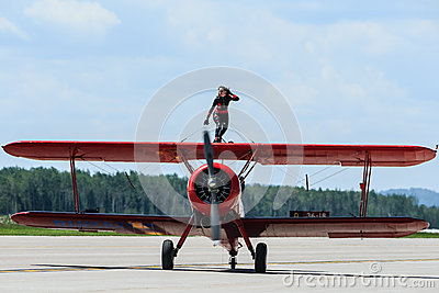Carol Pilon Wing Walker Redactionele Foto