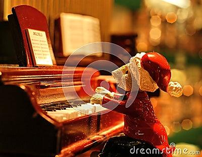 Carols piano singer